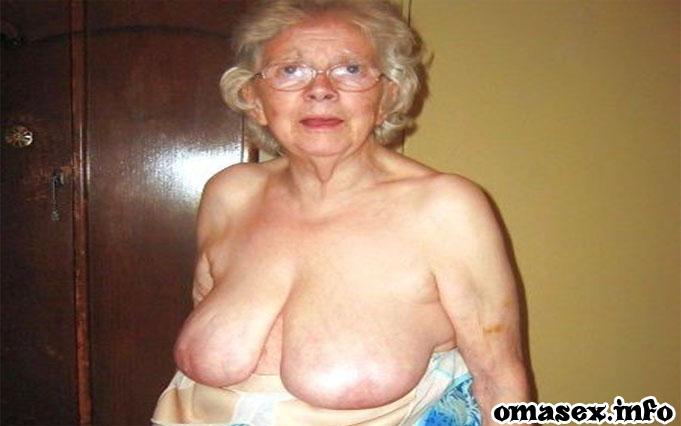 Frivole Oma aus Niederbayern will bestiegen werden