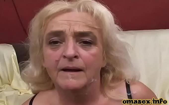 Witwe macht die Beine breit